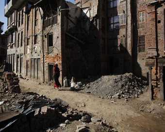 Nepal quake: Slow reconstruction work worries global community