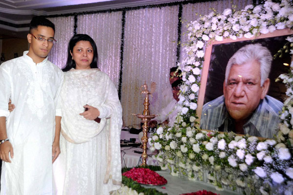 Bollywood attends Om Puri