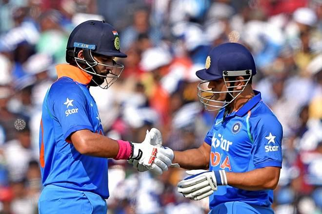 Best shots of Yuvraj and Dhoni in 2nd ODI