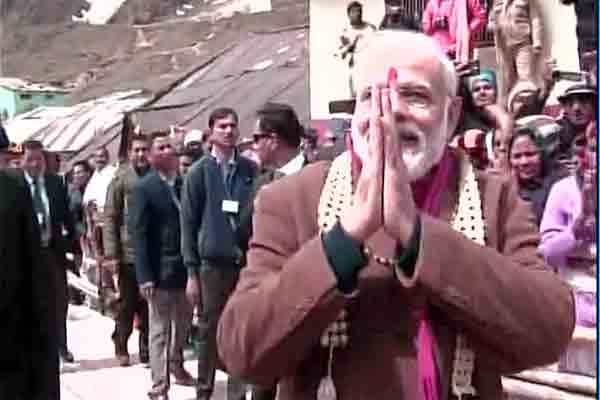Modi offers prayers at Kedarnath temple