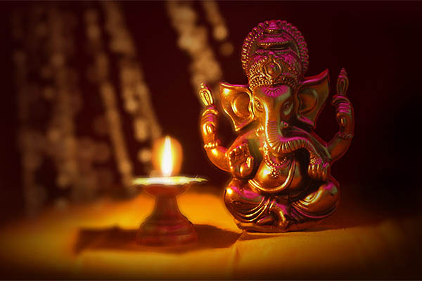 Bollywood celebs welcome Ganpati Bappa at home