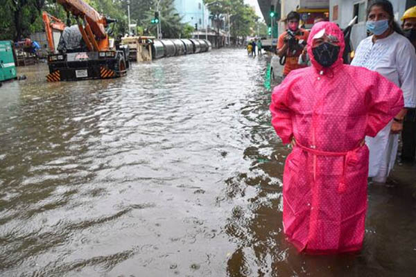 Torrential rainfall paralyses Mumbai; streets, rail tracks flooded as IMD issues red alert (PICS)