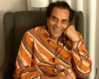 Dharmendra to launch new restaurant