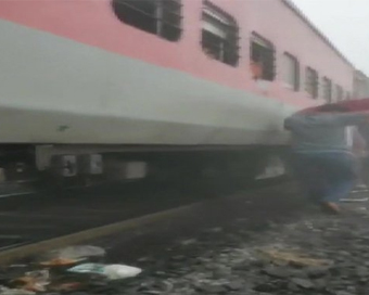 Lokmanya Tilak Express derails in Odisha, 20 injured