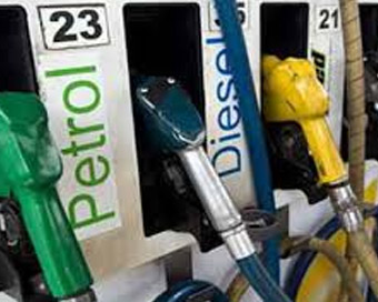 Up for 15th straight day, petrol crosses Rs 86 a litre in Mumbai