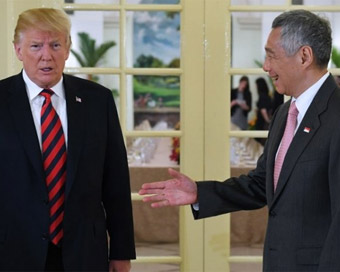 Trump thanks Singapore PM for hosting Kim summit