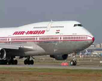 Sena MP defends colleague, Air India to FIR