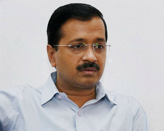 Kejriwal approaches LG to enforce SC order on powers