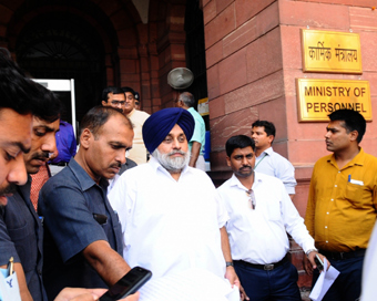 Sukhbir Badal meets Shah, demands inquiry into Operation Bluestar