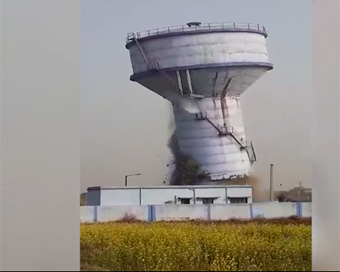 Water tank collapses in Bengal, video goes viral
