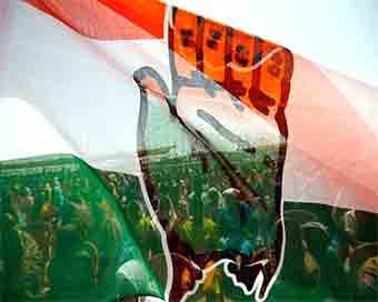 Congress expels 26 rebels in Uttarakhand
