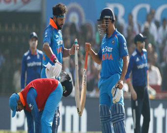 IND v ENG Cuttack 2nd ODI Live :India 381/6 in 50.0 Overs