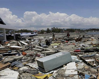 Death toll in quakes, tsunami climbs to 1,944 in Indonesia