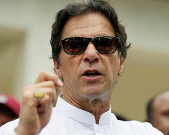 Imran dials foreign leaders; special parliament session called