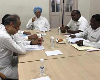 Manmohan Singh meets Congress Chief Ministers