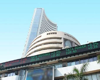 Stock markets open in red