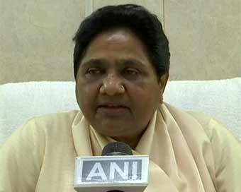 Mayawati confirms break-up, terms it temporary