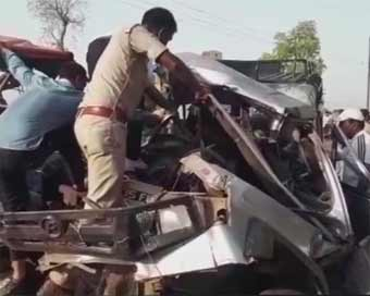 12 killed in MP road accident