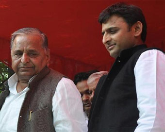 Mulayam, Akhilesh get CBI clean chit in DA case