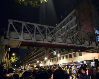 Mumbai footbridge toll rises to 5, 30 injured
