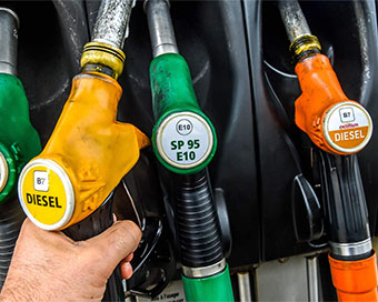 Petrol set to catch up with diesel in Delhi