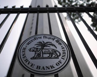 RBI to keep watch on long-term data for rate cuts: HDFC CEO