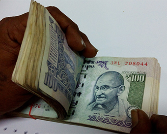 Rate woes: Rupee to weaken as further repo cut expected