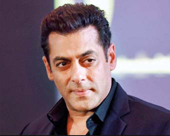 Salman Khan grooves on