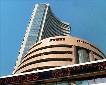 Stock Market: Sensex gains 300 points, RIL at record high