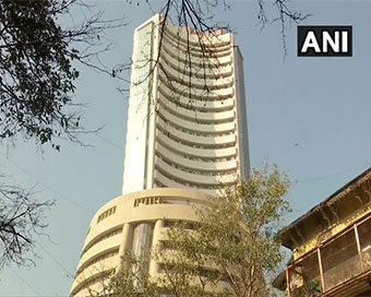 Rally continues in stock market, Sensex surges 500 points