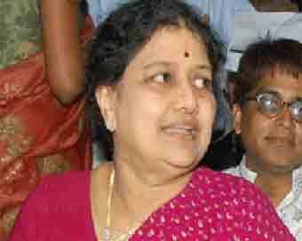 AIADMK MP says Sasikala has threatened Governor, demands action