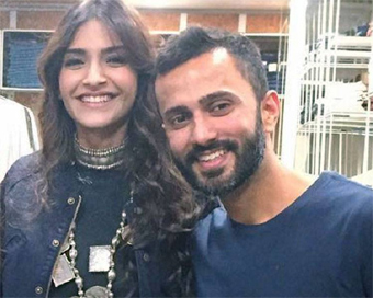 Sonam Kapoor, Anand Ahuja to exchange rings in December