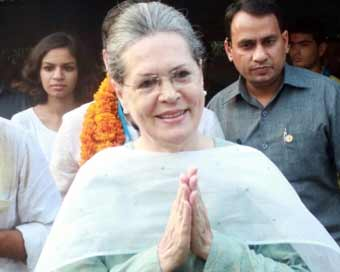 BJP leaders meet Sonia Gandhi to seek cooperation in Parliament