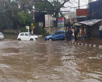 Rains lash Delhi, air improves to
