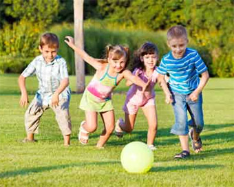 Outdoor games can make kids love nature