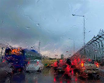 Heavy rains lash Delhi-NCR