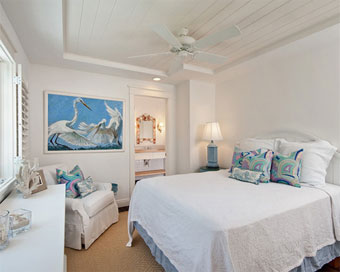 How to make your bedroom summer-friendly