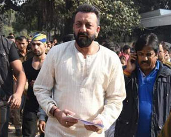 Sanjay Dutt ends up with rib fracture during